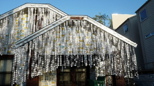 green design, eco design, sustainable design, Beer Can House, Houston Beer House, John Milkovisch, recycled beer cans, upcycled architecture