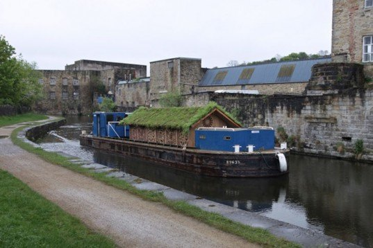 Beth Derbyshire, The Ark, green roof, art, uk, canal, communities, floating art gallery, old boat, timber, Art, green roof, Recycled Materials,