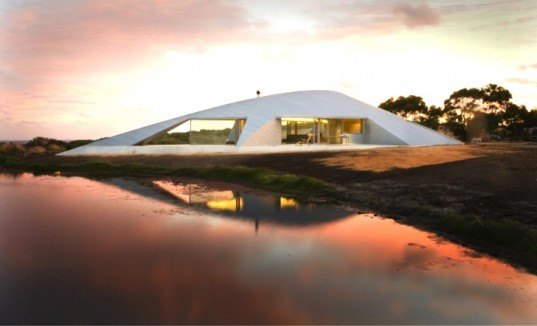 green design, sustainable design, eco-design, James Stockwell, Croft House, Australia, Inverloch, space craft, passive solar design, vernacular architecture, eco-design, site sensitive design in Australia, low embedded energy materials