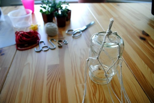 DIY, recycled, string, planter, succulent, interior, how-to, knotted, plants, decoration