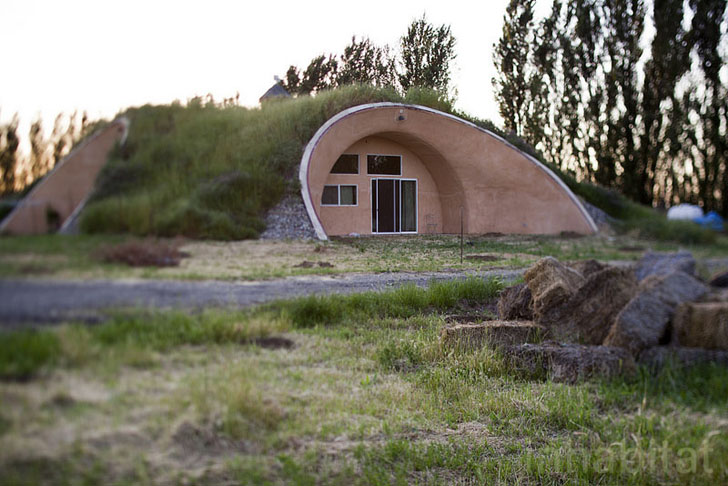 how to build an earth berm home