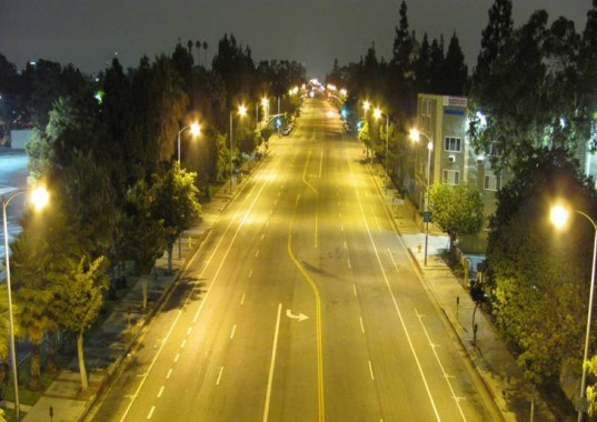 green design, eco design, sustainable design , Los Angeles Street Light Retrofit, LED retrofit, CLinton Climate Initiative, C40 Cities Climate Leadership Group, Cree XSP series, LEDway Series, Hadco RX, Leotek GC