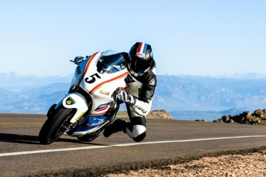 Lightning Motorcycles, Carlin Dunne, Pikes Peak Hill Climb, electric motorcycle, electric motor, electric transportation, green motorcycle, green transportation