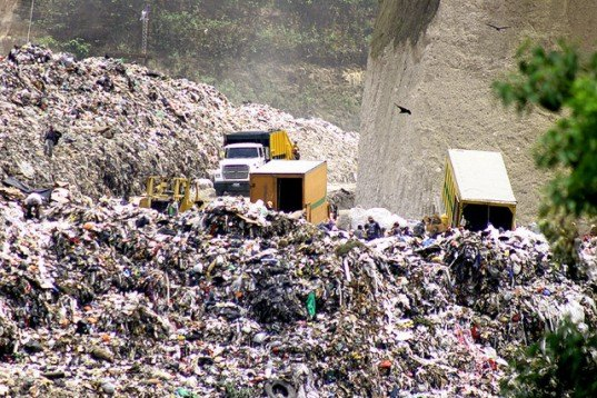 overflowing landfills Science & environmental health network - the networker: her recycle drawers were always overflowing most of that waste is still buried in landfills or burned.