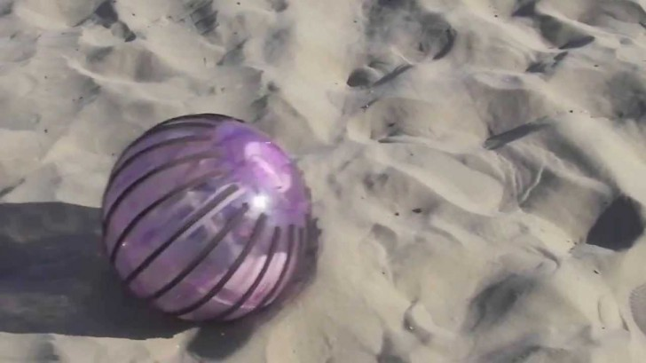 Rolling Rosphere Robot Can Travel Over Virtually Any Terrain