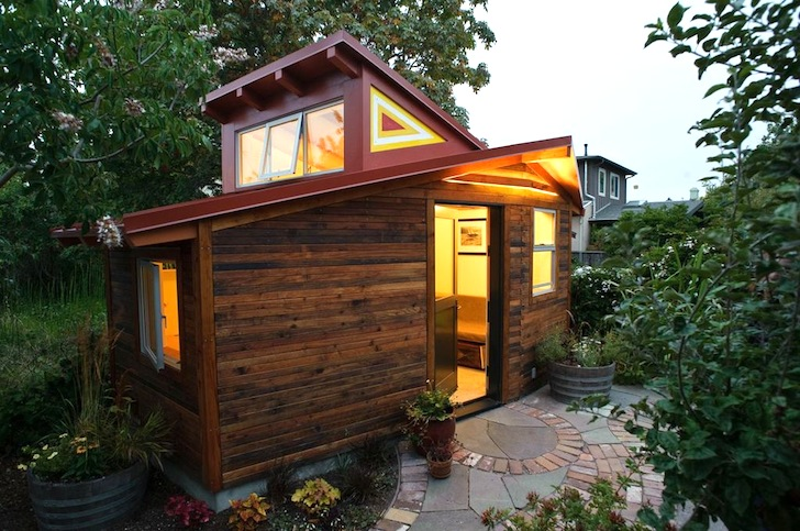 Charmant Tiny 120 Sq Ft Studio Wrapped In Reclaimed Redwood Chills In Sunny  California