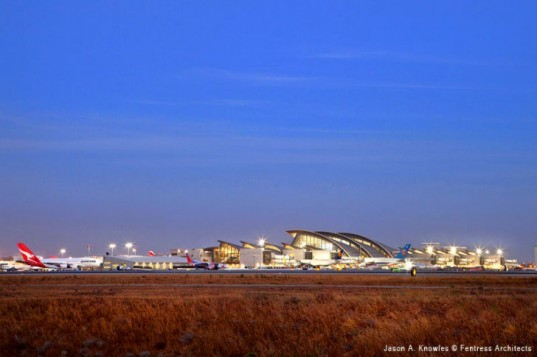 Tom Bradley International Terminal, Fentress Architects, Los Angeles, LAX, airport, eco airport, LA, leed silver airport
