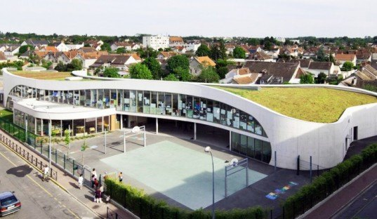 Richard + Schoeller, green roof, École Jean-Moulin, France, natural light, Architecture, Daylighting, green roof