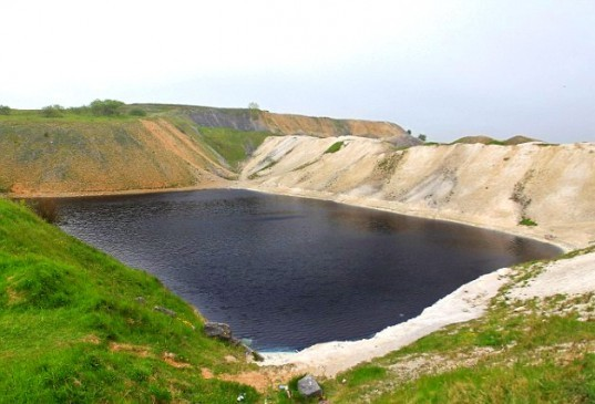quarry, lagoon, buxton, dangerous chemicals, swimmers, pollution, chemicals