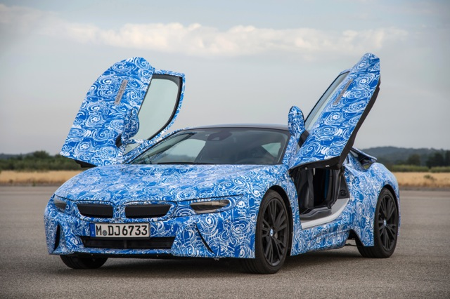 Bmw S I8 Plug In Hybrid Will Be The First Production Car To Use Scratch Resistant Gorilla Gl