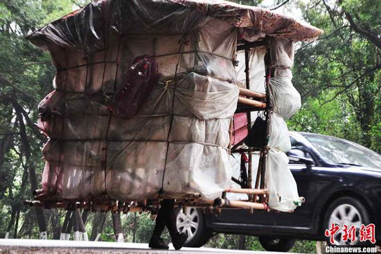 green design, eco design, sustainable design, Snail Man China, hand made homes, Liu Lingchao, china news, recyclable home