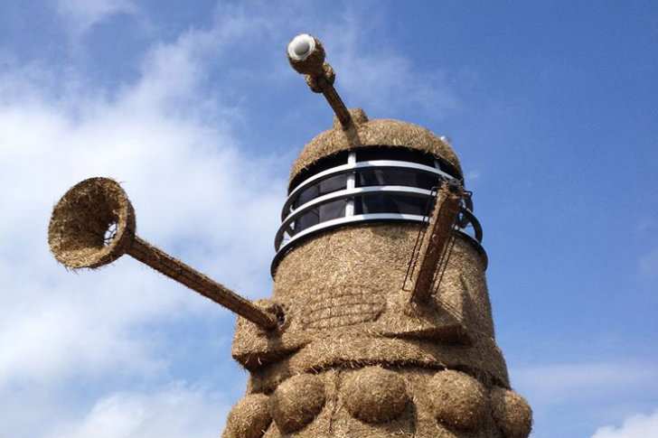 Snugburys Ice Cream Constructs A Giant Straw Bale Dalek In The Uk