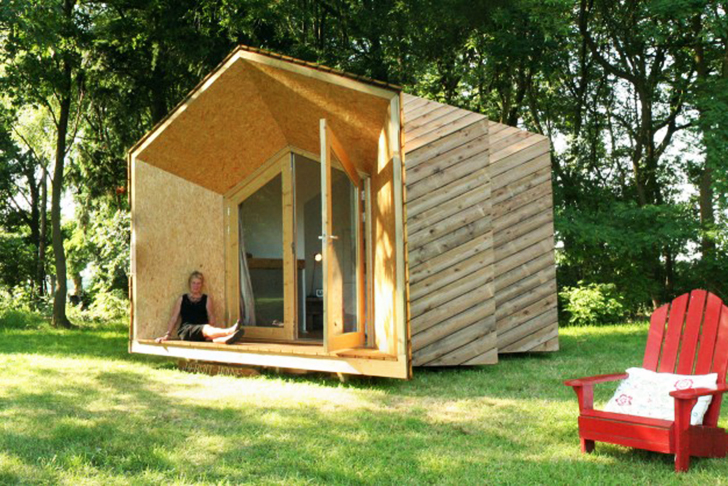 Diy hermit houses tiny off grid customizable living for How to build a small house off the grid