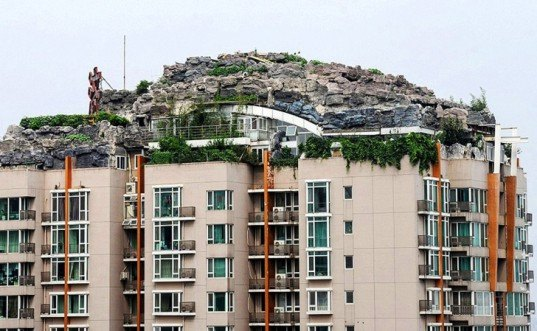 Zhang Biqing, Beijing apartment building, China building regulations, chengguan, building disputes beijing, artificial villa beijing, doctor beijing fake mountain villa, illegal building in china, two-story rooftop villa