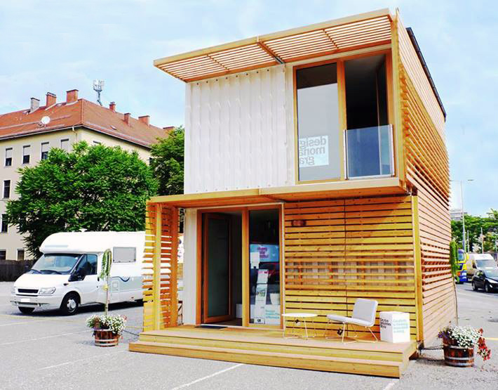 Modular Modern COMMOD House is Made From Recycled Shipping Containers