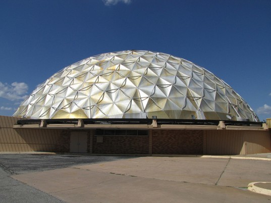 gold dome, geodesic dome, buckminster fuller, oklahoma, route 66, the public bank building, historic site, historic building, modern architecture, historic architecture