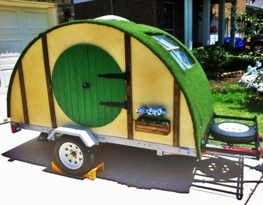 hobbit hole, camping trailer, samm1t, reddit, imgur, led light, green roof, elevensies, adventure, green design, hobbit, lord of the rings, hobbiton