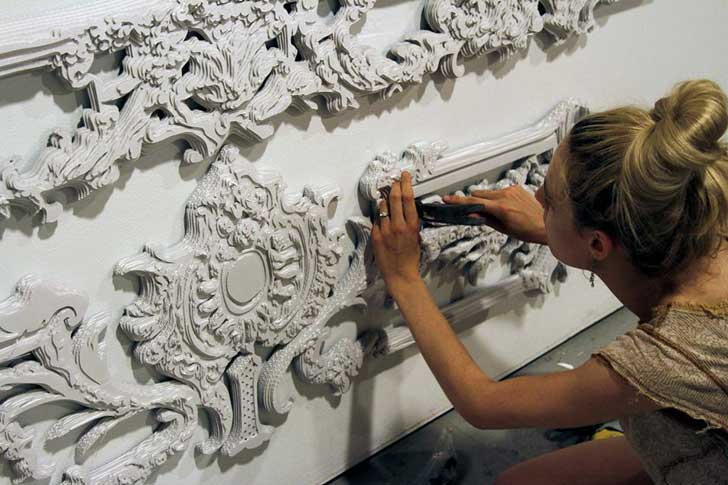 Jillian Salik Carves Ornate Baroque Frames From Cardboard