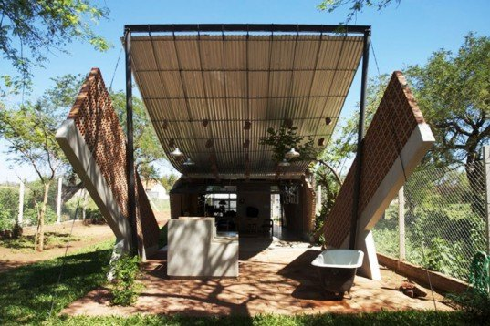 Javier Corvalán, Laboratorio de Arquitectura, curvy home, Casa Hamaca, Paraguay, Catenary Curve, reclaimed materials, bricked wall, galvanized iron roof, Architecture, Daylighting, Recycled Materials