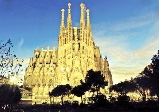 video reveals how gaudi 39 s sagrada familia will look when. Black Bedroom Furniture Sets. Home Design Ideas