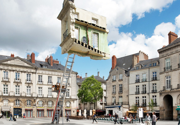 Leandro erlich floating room inhabitat green design for Meuble architectural