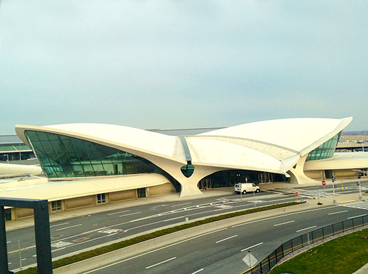 Iconic eero saarinen airport terminal to be reborn as a for Hotel at jfk terminal