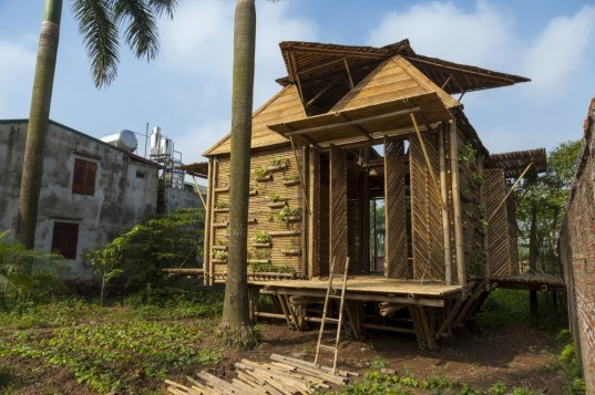 Architecture Vietnam, bamboo buildings, bamboo homes, bamboo architecture, weather resistant architecture, disaster-proof design , H&P Architects, BB (Blooming Bamboo) home