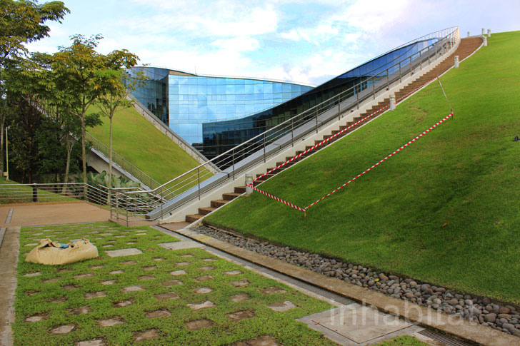 Photos Incredible Swirling Green Roof Tops Nanyang