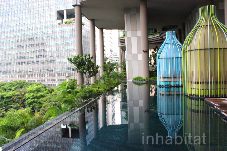 Tour the parkroyal hotel singapore 39 s surreal sky gardens for Sky design hotel