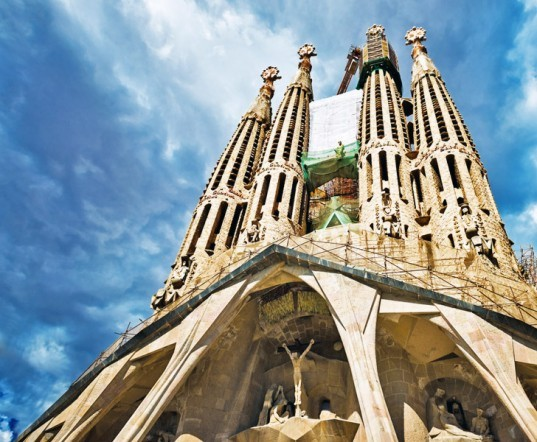 green design, eco design, sustainable design, Antoni Gaudi, Sagrada Familia, Sagrada Familia Foundation, Jordi Bonet, Barcelona architecture, video shows la sagrada familia when completed, la sagrada familia, gaudi sagrada in Barcelona