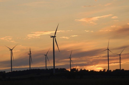 wind power, clean energy, renewable energy, clean energy UK, renewable energy record UK, new clean energy record, new renewable energy record, solar power, hydroelectric power, government statistics clean energy, UK statistics clean energy
