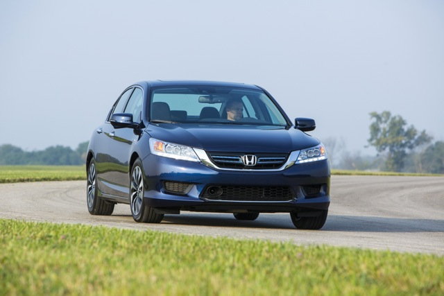 TEST DRIVE: 2014 Honda Accord Hybrid Zooms to the Top of the Hybrid Segment