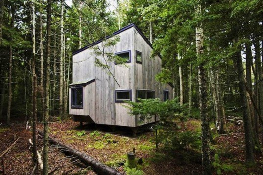 Petra Simmons Design, wooden cube, artist studio, Harpswell Studio, Maine, wooden shelter, Architecture, Tiny Homes, Green Materials, Daylighting, Botanical