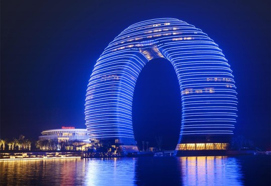 MAD Architects, Sheraton Huzhou Hot Spring Resort, Sheraton Resort China, Chinese architecture, resorts, hotel design, LED lights, LED facade, ring-shaped architecture, sustainable architecture, luxurious resorts China, China