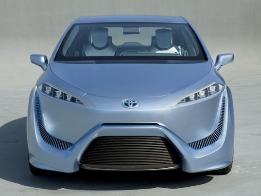 Toyota Cuts Fuel Cell Cost by $1 Million for Next-Gen Hydrogen-Powered Car