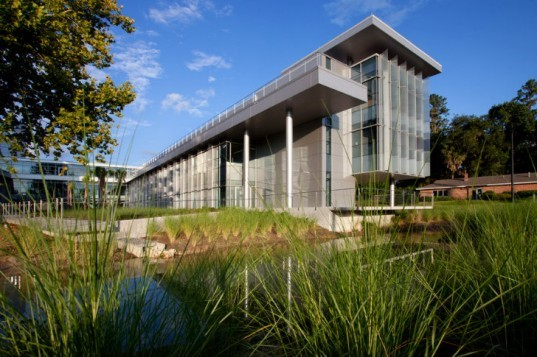 University of Florida, CTRB, clinical and translational research building, Perkins Will, leed platinum, eco lab, research facility