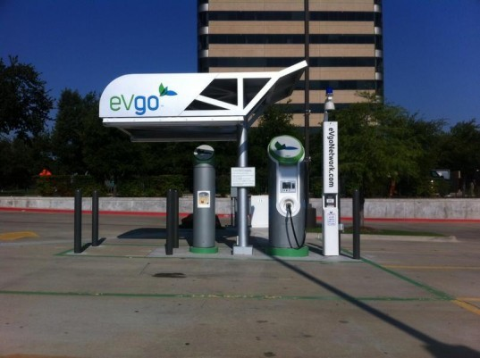 nissan leaf, texas, dallas, fort worth, eVgo network, charging stations, electric vehicles, electric car, nissan,