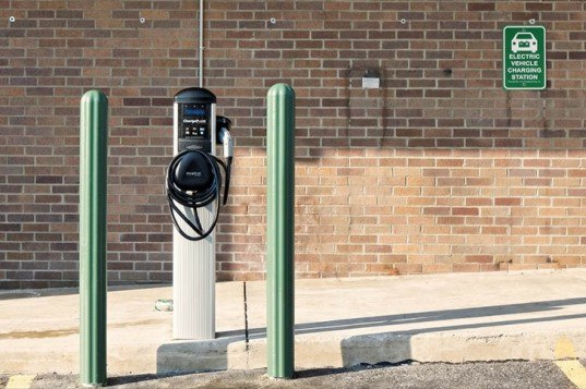 electric cars, palo alto, electric vehicles, building codes, residential electric car chargers, public policy, san francisco bay area, silicon valley, encouraging electric car use, building standards, electric car charging stations