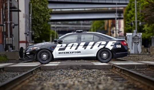 Ford, Ford police vehicle, police vehicle, Ford EcoBoost engine, EcoBoost engine, four-cylinder, efficient police car, fuel efficiency, turbocharged engine