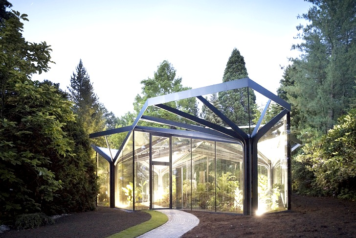 Ida 39 s greenhouse botanical garden grueningen is a for Architecture de jardin