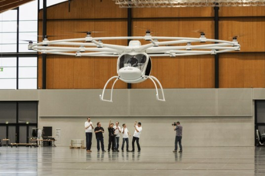 World's First Two-Seat Electric Helicopter Lifts Off for the First Time With 18 Rotors