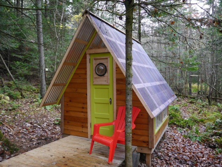 The Rock Bottom is a tiny off-grid reading cabin built for just $300 in Vermont