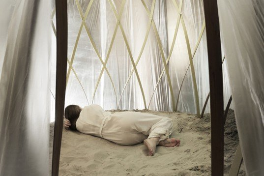 Harm Rensink, Nomadic Sand Bath, pop up space, space for wellness, japanese thermal sand bathing