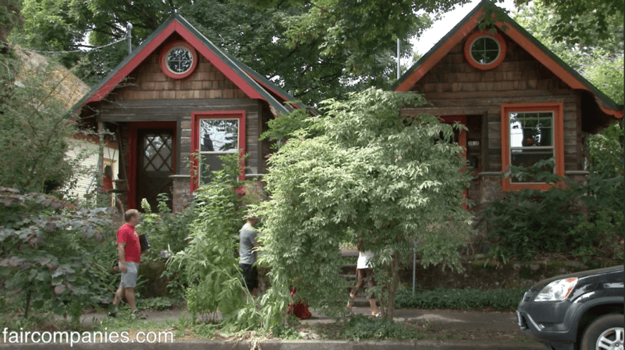 Remarkable Cute Micro House Made From Recycled Tin Cans And Trader Home Interior And Landscaping Mentranervesignezvosmurscom