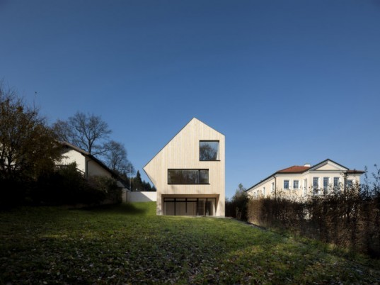 Sunlighthouse, Juri Troy, velux, daylighting, carbon neutral, zero energy home, carbon neutral home, austria
