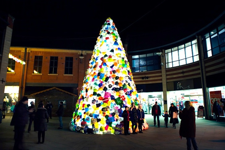 Design - Consumerist Christmas Tree Uses Thousands Of Multi-Colored Plastic