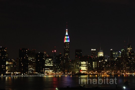 Don't Miss the Empire State Building's First-Ever LED Christmas ...