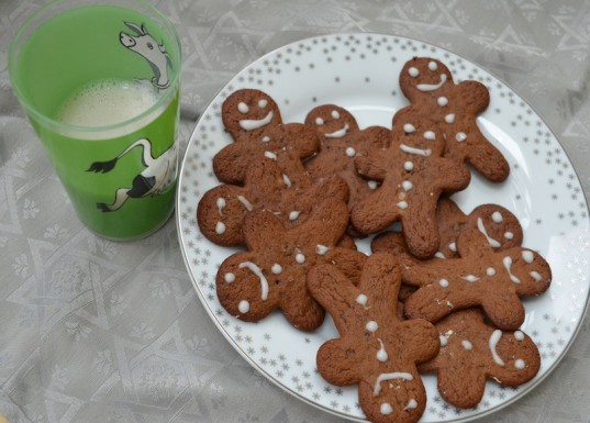 HOW TO: Make Delicious Gluten-Free Vegan Gingerbread for the Holidays