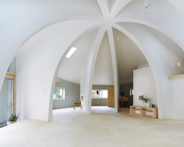 Hiroyuki Shinozaki Architects, house I, japanese architecture, open plan layout, curved walls, locally milled stone, single family house, unconventional architecture, contemporary home
