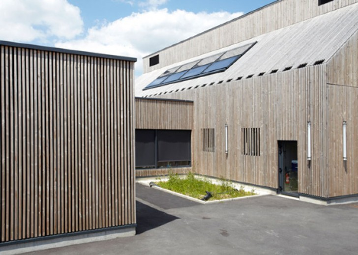 Topos Architecture, Mayenne, France, timber building materials, douglas fir, High Energy Performance, Certivéa certified buildings, energy efficiency